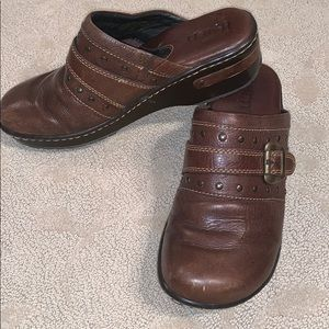 BORN Clog Sz 8 brown Leather. Soft, Comfy